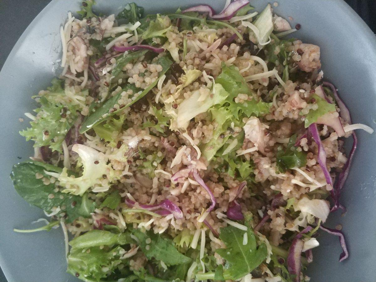 ensalada de quinoa con sardinas